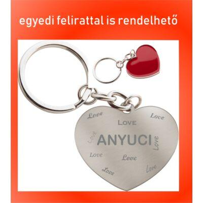 Szív alakú kulcstartó Anyák napjára - Anyuci/Nagyo Love felirattal